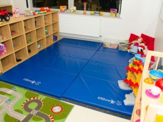 Soft-play-area-with-gym-mats